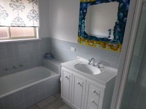 12-Bathroom-Main-P1030690