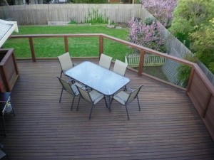 8-Balcony-backyard-from-the-roof-150911-016