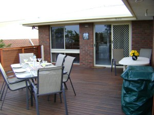9-Balcony-BBQ-outdoor-setting-DSC07060